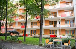 Domov u Vršovického nádraží, Praha 10, zahrada