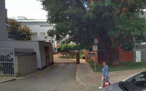 Domov u Vršovického nádraží, Praha 10, vjezd