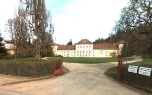Černovice zámek